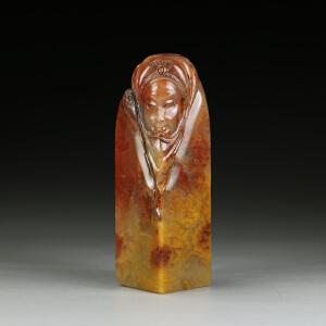 巧色巴林冻石 精雕民族少女大材印章  jd2658
