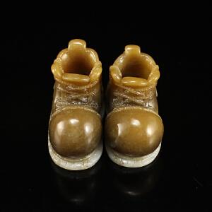 和田玉糖青白玉精雕童鞋一对挂件