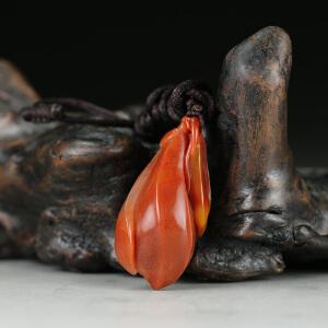 寿山朱砂红芙蓉石 精雕 优雅玉兰花挂件 jd2492