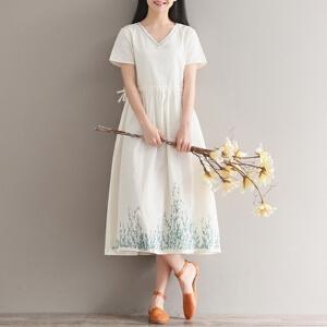 【当当年中庆】2017年夏季新款纯色绣花森女文艺V领中长款大摆连衣裙