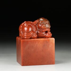 老挝巧色水洞朱砂高山石 精雕古兽大材印章 jd2146