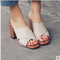 拖鞋女夏时尚真皮羊皮交叉带鱼嘴粗跟高跟鞋外穿皮拖百搭