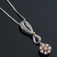 菱花18K白金玫瑰金项圈钻石项坠