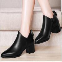 百年纪念粗跟真皮女靴子高跟马丁靴春秋季新款尖头短靴英伦风复古女鞋