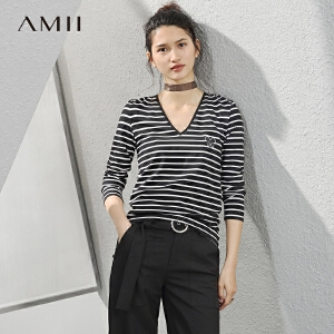 Amii[极简主义]2017春季新款修身V领海军风卡通印花条纹T恤女长袖