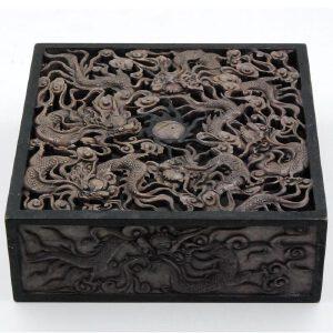 清 寿山石透雕九龙观太极熏盒