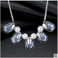 潮流大方气质短款毛衣链挂饰品欧美风珍珠方块水晶吊坠项链