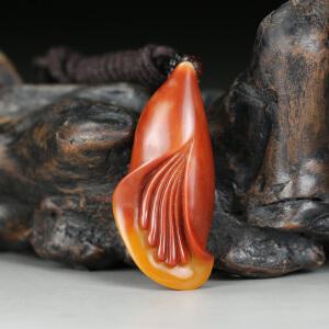 寿山老性红黄芙蓉石 精雕优雅玉兰挂件 jd2265