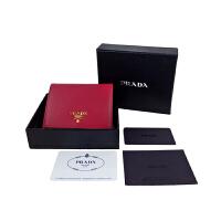 Prada梅红色金属标水波纹卡包钱包1MV204