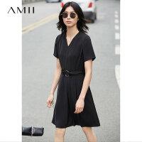 Amii[极简主义] 2017夏新直筒V领腰带拉链插袋短袖连衣裙11770311