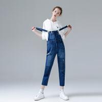 初语新款破洞牛仔背带裤女2017夏 时尚减龄水洗牛仔裤宽松长裤潮