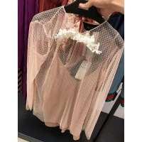 Gucci 粉色蕾丝两件套上衣配以花朵装饰