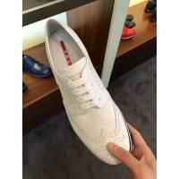 Prada 白色男士系带休闲鞋