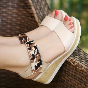 凉鞋2017新款女夏季坡跟松糕鞋简约露趾防水台韩版纯色鞋子学生鞋