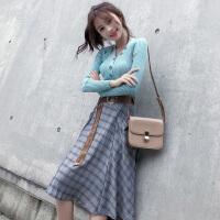 茉蒂菲莉 牛仔裙 (送黑色上衣)女士时尚韩版春季鱼尾包臀半身裙牛仔背带裙学生连衣裙套装