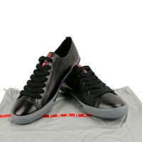 PRADA黑色全皮灰色底系带男鞋