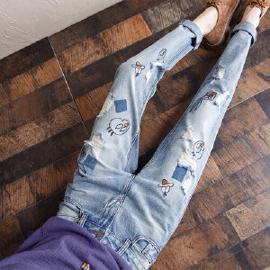 2017春夏秋季新款无弹宽松中腰女士牛仔裤韩版可爱绣花愤怒的小鸟牛仔长裤YL716